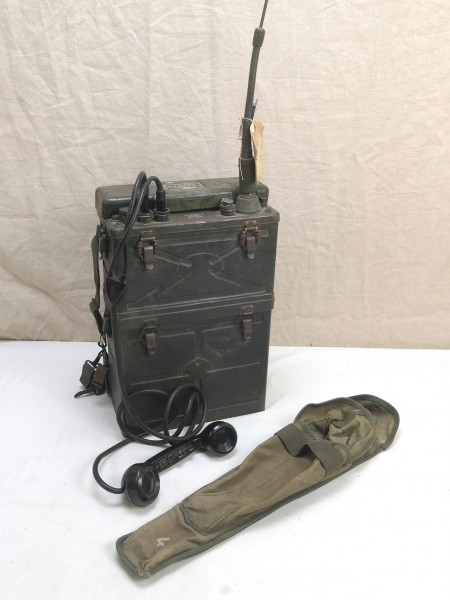US Army WW2 Signal Corps RADIO RECEIVER BC-1000 RADIO RECEIVER + antenna + handset