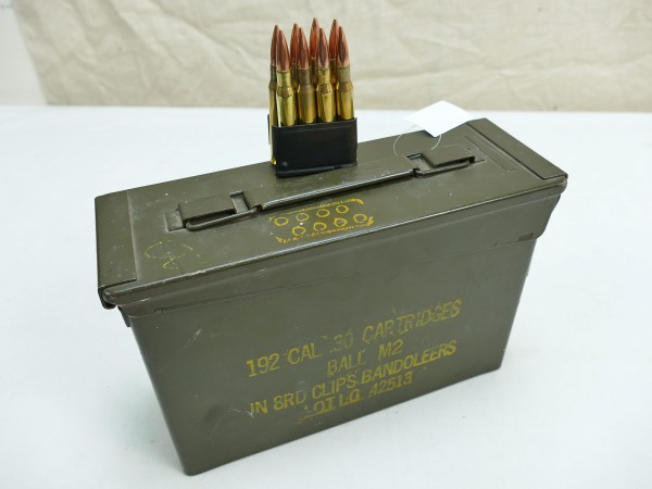 US Army WW2 ammunition box metal box ammunition box 192 CAL .30 cartridges ball M2 in 8rd clips