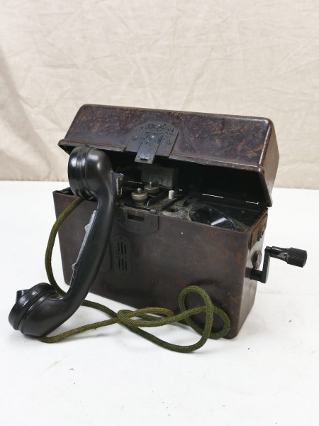 #01 Wehrmacht field telephone FF33 field telephone 1944 E / WaA + handset + crank
