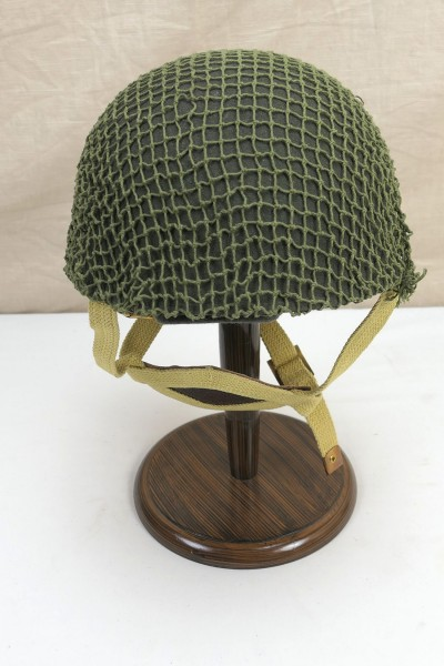 WW2 British steel helmet paratrooper paratrooper Gr. 59/60 with helmet net inside helmet and straps