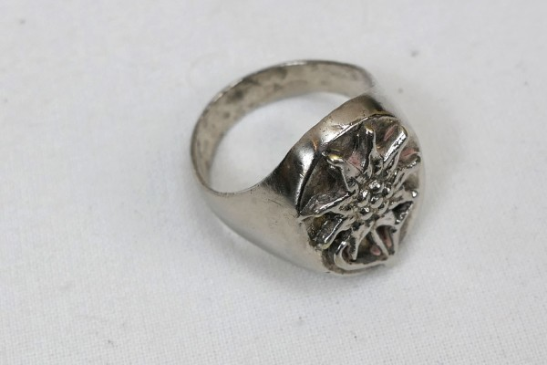Wehrmacht Gebirgsjäger Traditional Ring with Edelweiss 19mm - 21mm