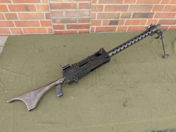 Machine gun MG US Browning M1919A4 Cal .30 with shoulder rest and bipod