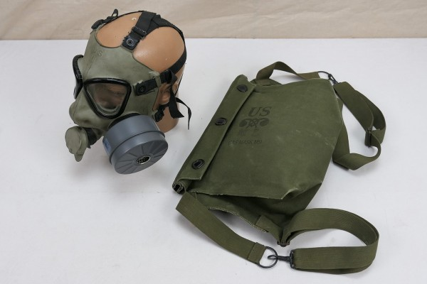 US Army M9 Gasmask + Bag / gas mask in rubberized gas mask bag bag