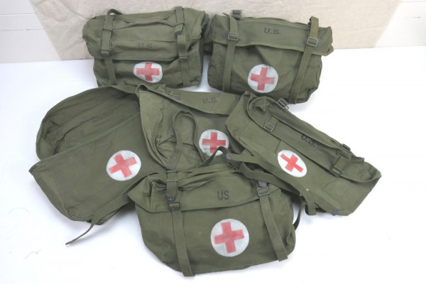 US Pack Field Cargo M-1945 Medic Willys Jeep Bag Medic Red Cross Red Cross