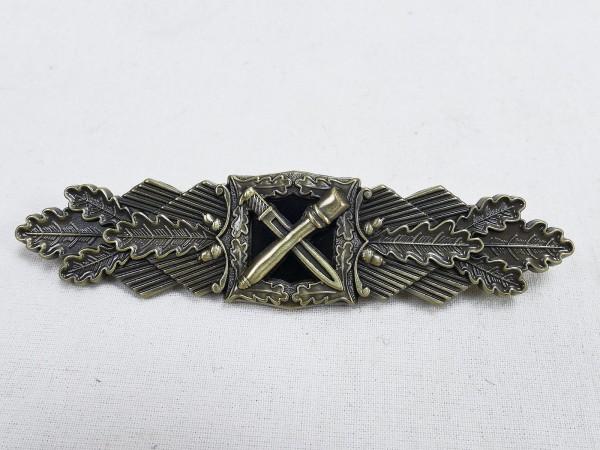 Wehrmacht Nahkampfspange Army Level Bronze 1957 Variant