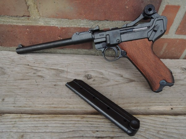 Pistol P08 Artilleri Deco Model Movie Weapon