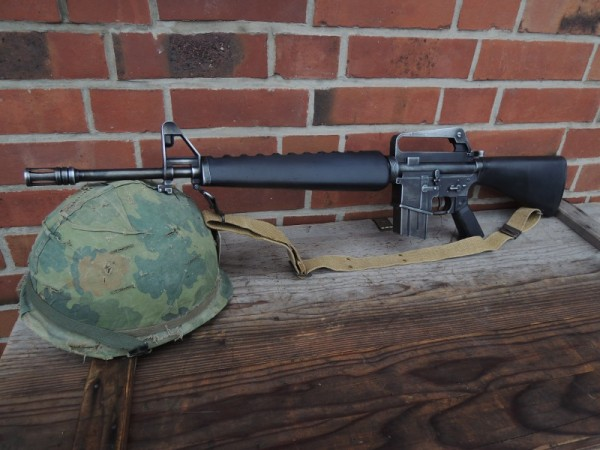 US M16 assault rifle + strap antique deco model movie weapon