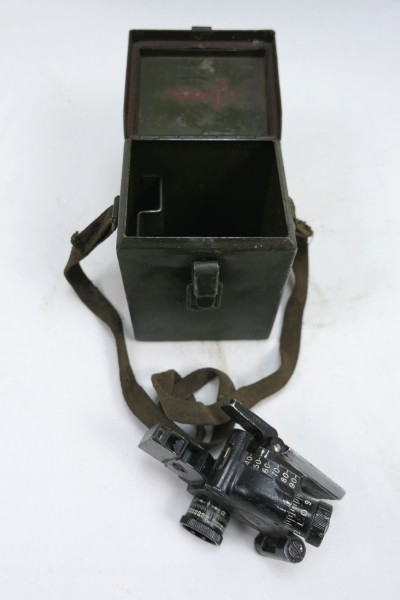 US ARMY WW2 M4 Sight 60mm Mortar & Carrying Case T42 Optic Mortar with Case