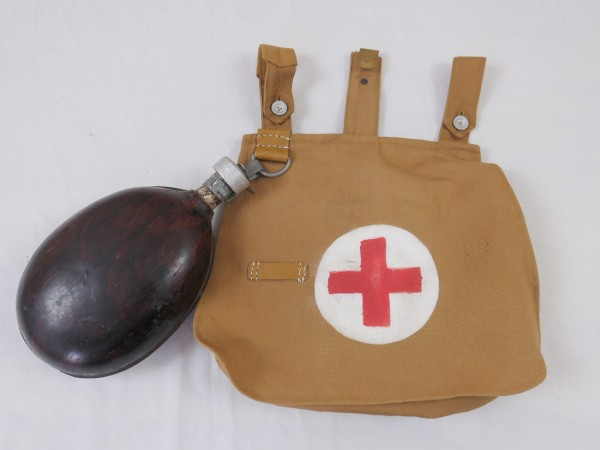 WK1 Paramedic bread bag with canteen / Red Cross