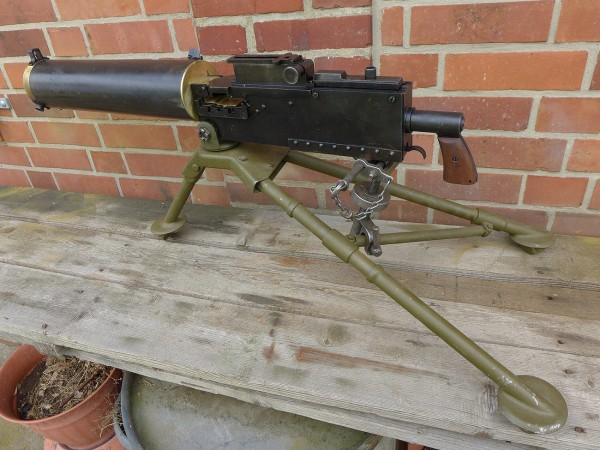 US Browning M1917 Cal .30 water cooled with Mount Tripod M2 tripod earth mount